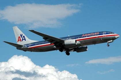 American 737-800 N927AN-2117.jpg