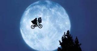 Fichier:E.T. l'extra-terrestre-E.T. the extra-terrestrial.jpg
