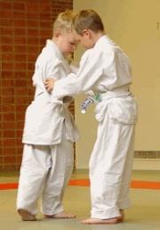 Judo enfants s'entraînant.jpg