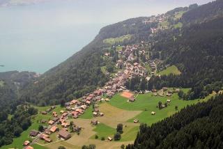 Fichier:Beatenberg-Dorf-Village.jpg