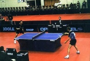 Match de tennis de table en simple