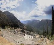 Sanctuaire Delphes.jpg