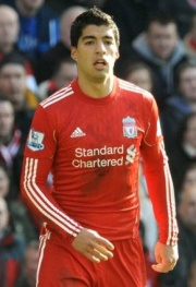 Suarez playing at Liverpool fc.jpg