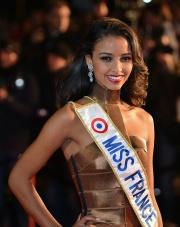 Flora Coquerel, avec l'écharpe Miss France 2014.jpg