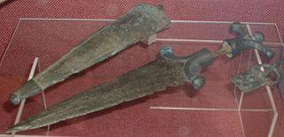 Fichier:Dague celtique-Celtes-Âge du Fer.jpg