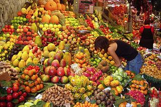 Fichier:Stand de fruits-Marché.jpg