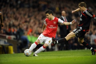 Fichier:Football-Arsenal vs Liverpool-Cesc Fabregas et Steven Gerrard-94.jpg