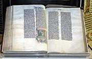 Une bible en latin