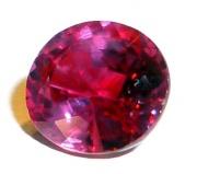 Cristal de rubis taillé.jpg