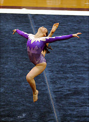 Gymnaste-Gymnastique au sol-Figure-Saut.jpg