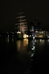 Fil:Barken Viking at night.jpg