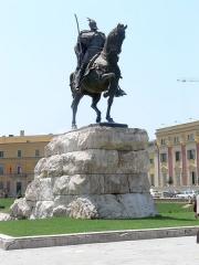 La statue de Skanderberg.jpg